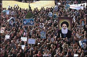 Hundreds of thousands of Iraqis have pledged to follow Ayatollah al-Sistani into a war against the occupation, if he so declared.
