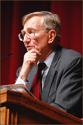 Seymour Hersh has been a thorn in the side of the USA political and military establishment since exposing the My Lai massacre in 1969.